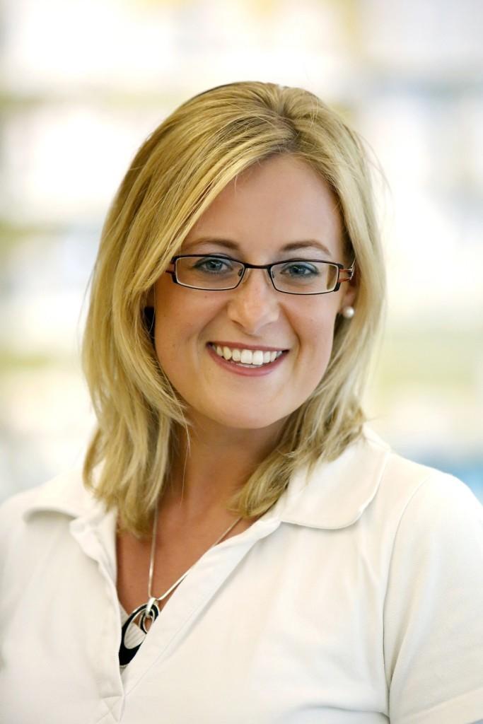 Corinna Martin   Pharmazeutisch-kaufmännische Angestellte, Kosmetikerin